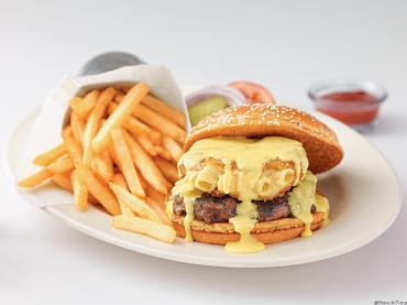 Mac-CheeseBurger