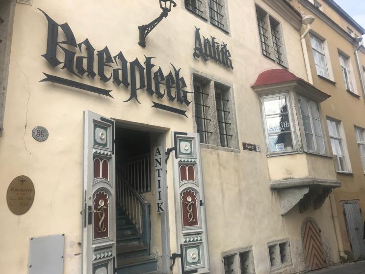 Fachada de la farmacia más antigua de Europa